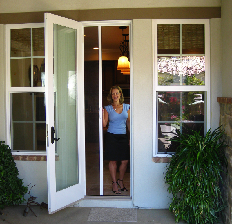 Disappearing doors ideas popular sliding closet doors for What is the best retractable screen door